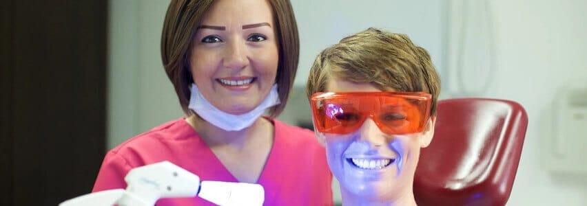 Bleaching und PZR für hellere Zähne - Zahnklinik Haltern am See