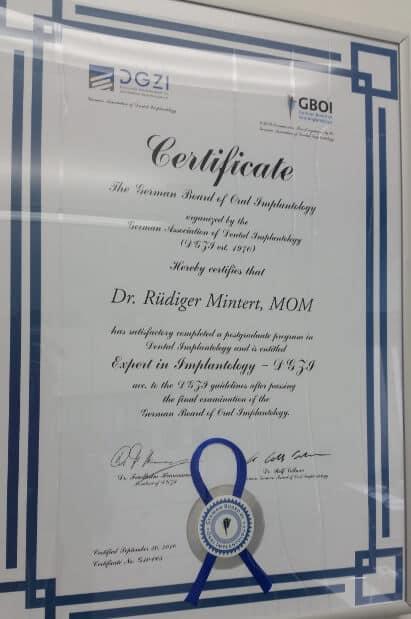 DGZI Zertifikat: Experte für Implantate