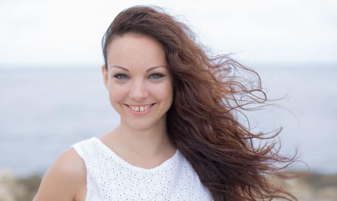 Diastema - Zahnlücke Schneidezähne schließen lassen Zahnarzt
