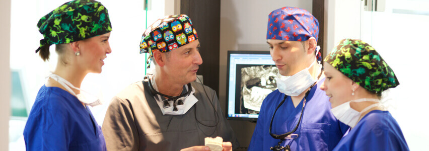 team zahnarzt implantologe zahntechniker zfa