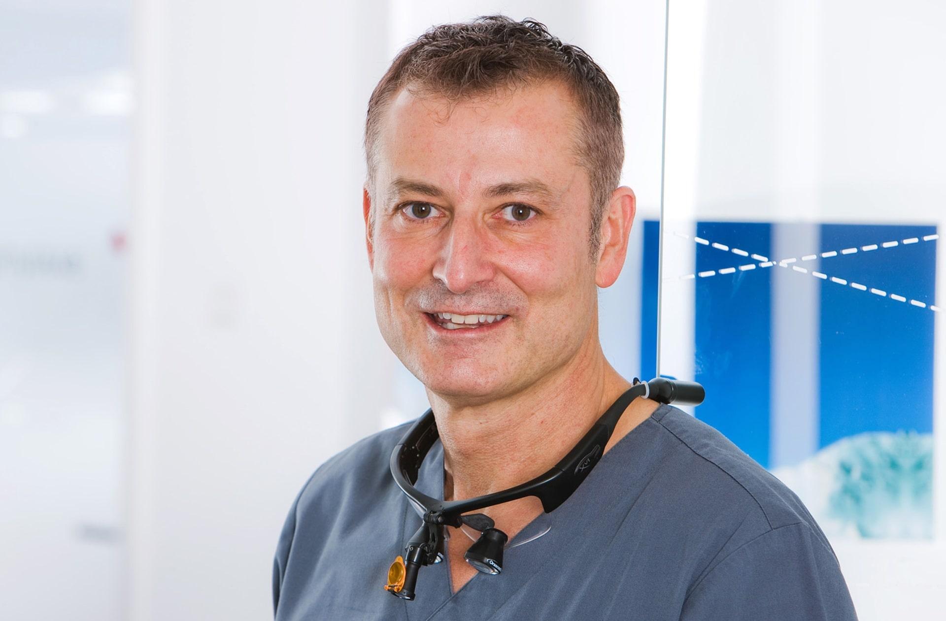 Implantologe Dr. Rüdiger Mintert in Herne