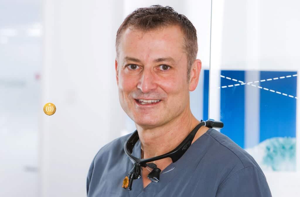 Spezialist Implantologie & Zahnimplantate - Dr. Rüdiger Mintert