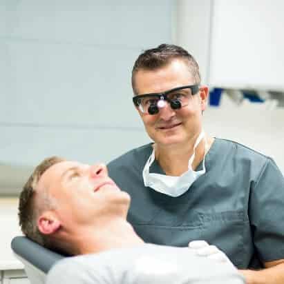 Zahnarzt Praxis - Spezialist Gesichtschirurgie, Mundchirurgie, Kieferchirurgie, Zahnchirurgie.