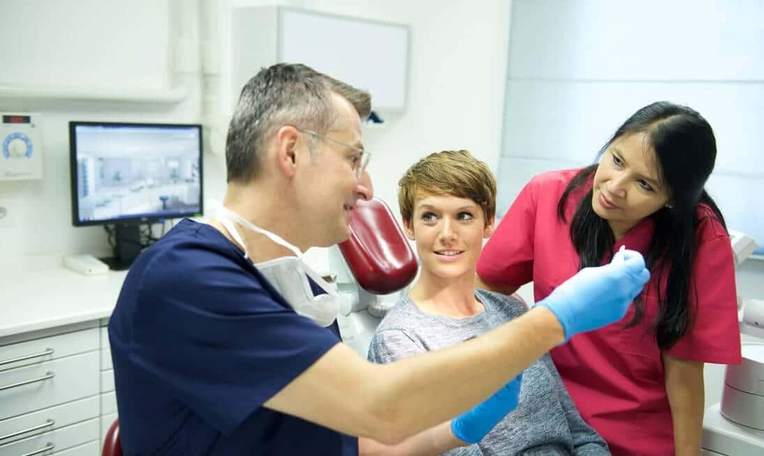 Implantate Dortmund - Zahnarzt-Beratung bei ZPK