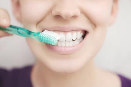 Zahnreinigung mit Zahnbürste