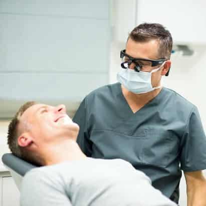 Zahnimplantation Schritt 1: Befund