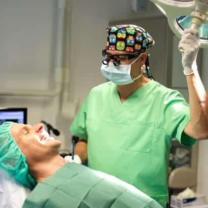 Zahnimplantation Schritt 6: Einheilphase