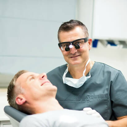 Zahnimplantation Schritt 8: Nachsorge