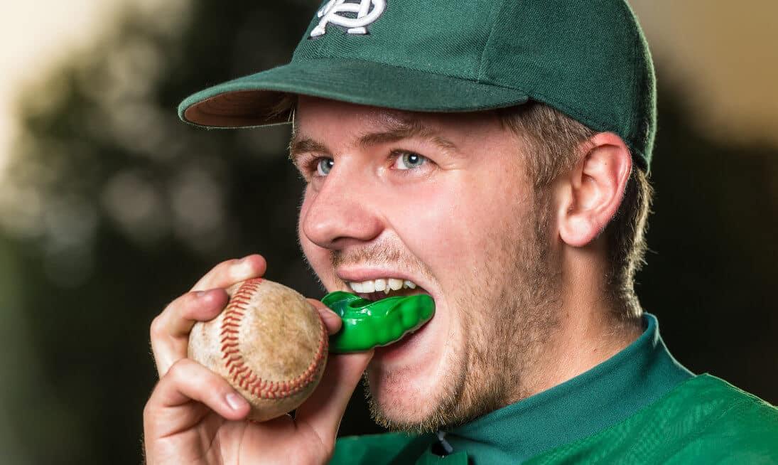 zahntrauma zahnschutz sport baseball